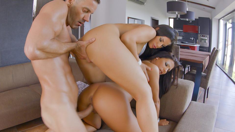 Maria Fiori & Athina video porno
